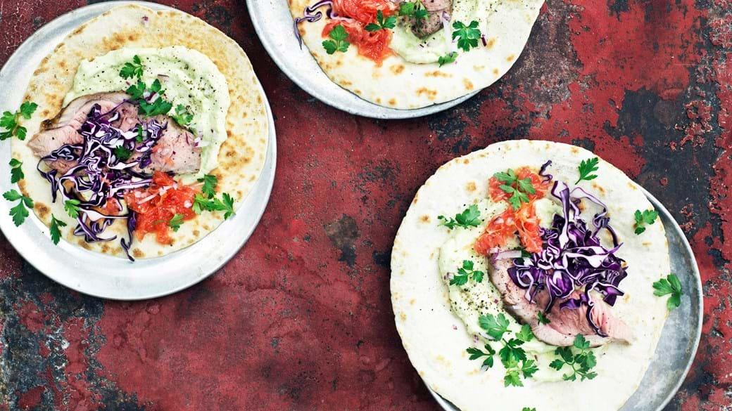 Tortillas med lammeinderlår og smørstegt grape