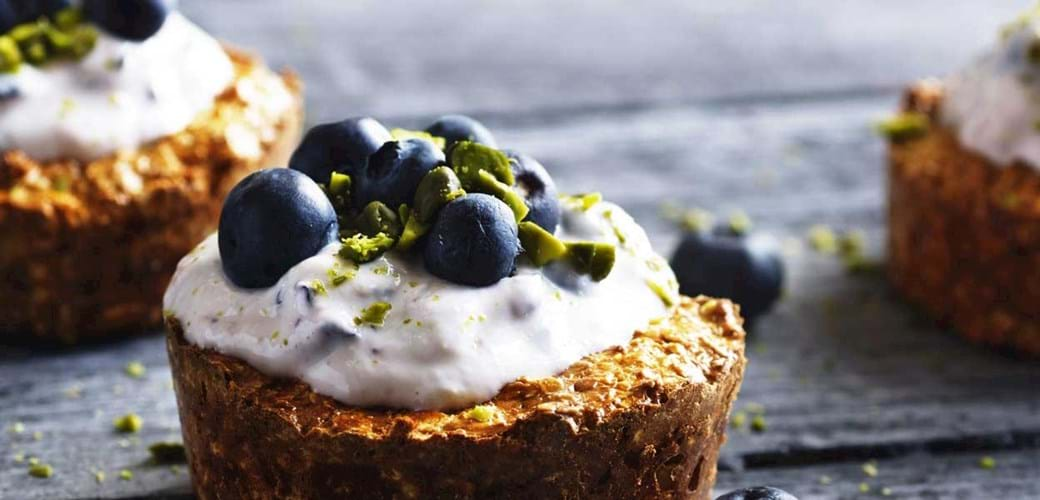 Havregrynstærter med blåbærcreme