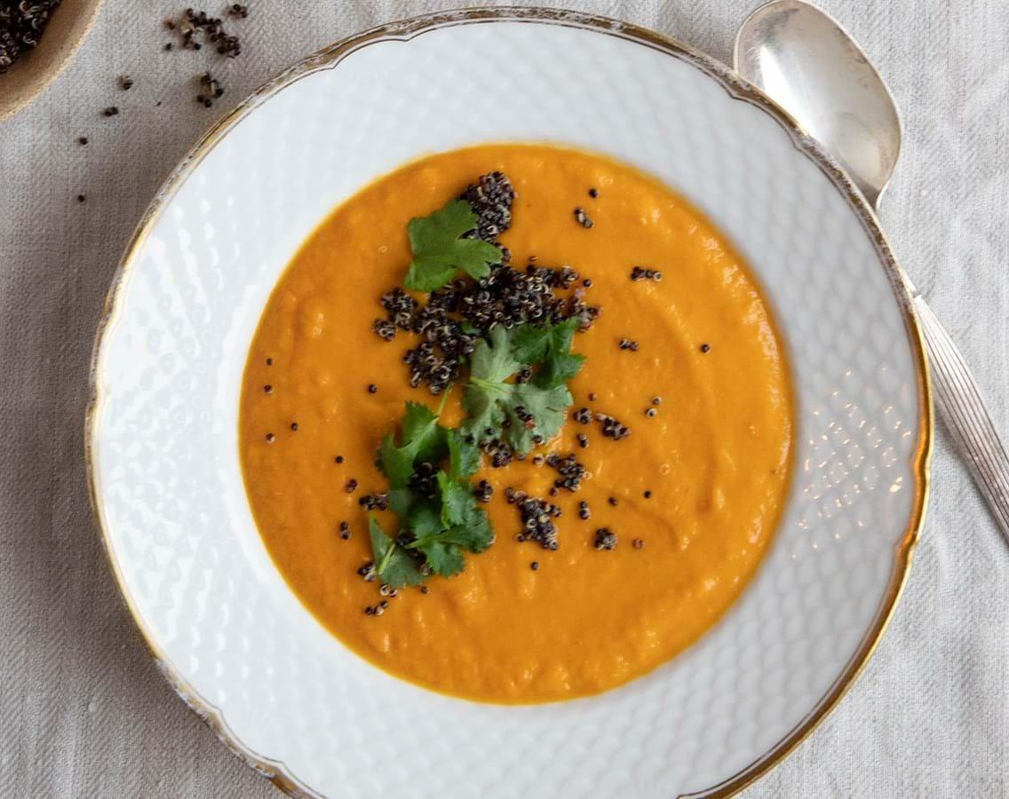 Græskarsuppe med quinoa