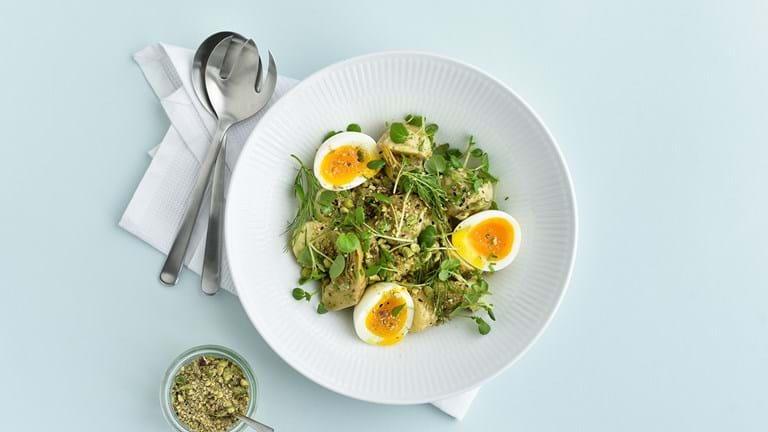 Kartoffelsalat med æg og dukkah