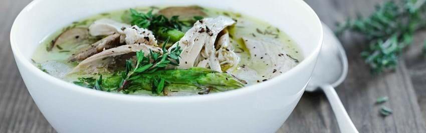 Kyllingesuppe med asparges