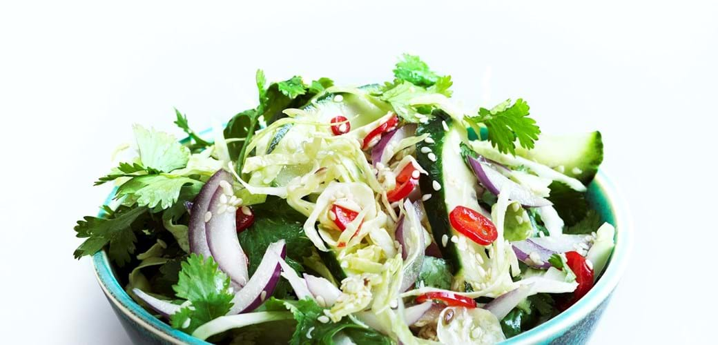 Thaikrydret spidskålsalat