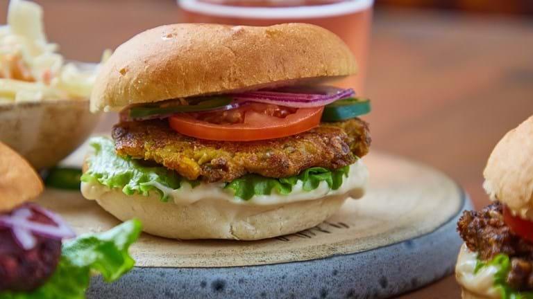 Klimavenlig burger med bearnaise-mayo