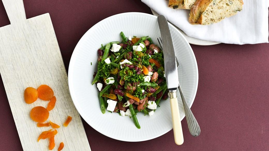 Bønnesalat med citrondressing og abrikoser