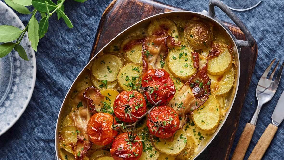 Flødekartofler med urter og bacon
