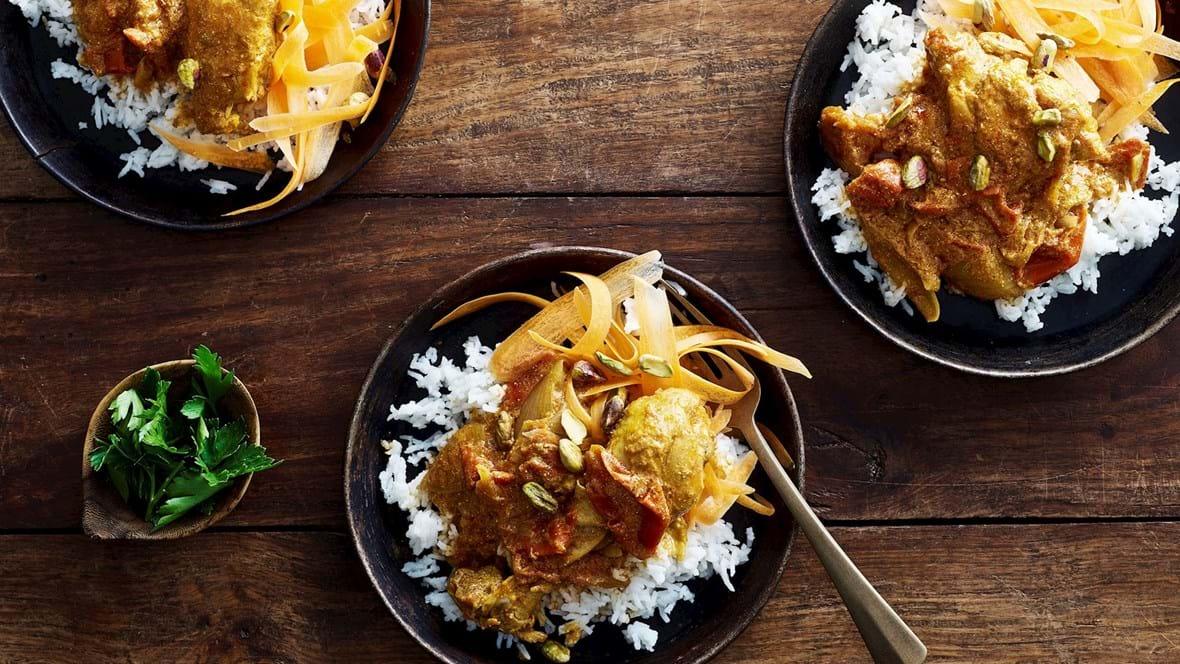 Garam masala-kylling med tomat og løg