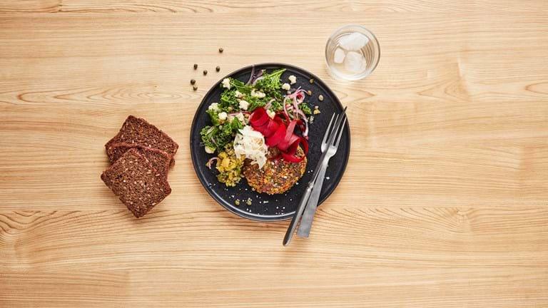 Vegetarisk pariserbøf lavet med brødrester