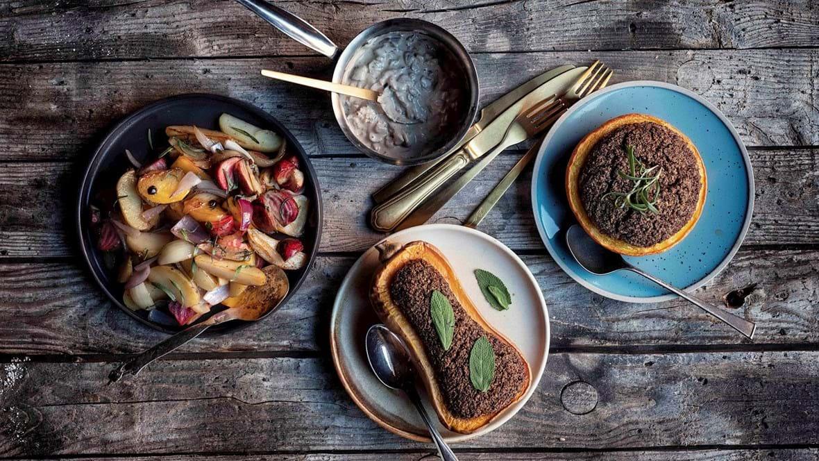Vegansk mad: Quinoafyldte grøntsager med røget tofu