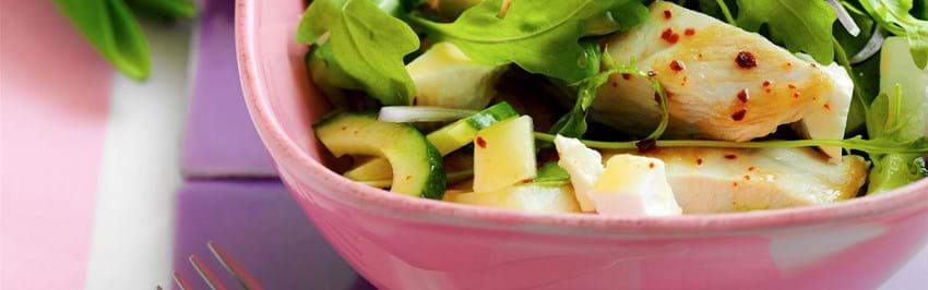 Salat med kyllingebryst, melon og agurk