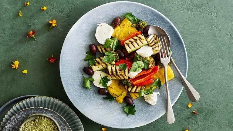 Grillet polenta med grøntsager og mozzarella