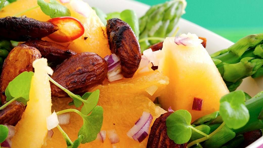 Spicy salat med melon og asparges