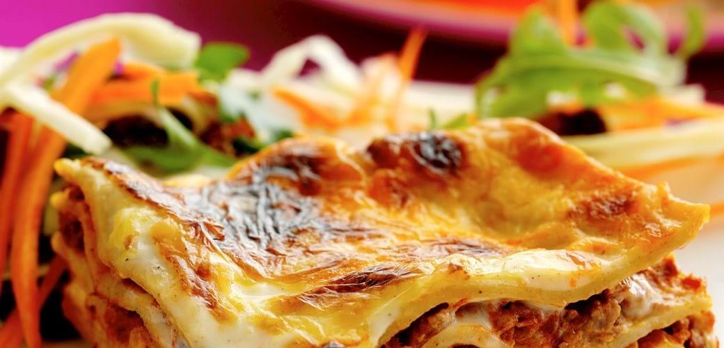 Lasagne med hvidkålssalat