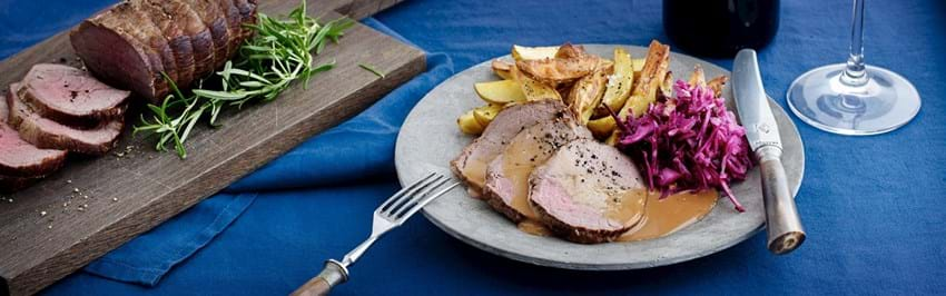 Roastbeef med kartoffelbåde og gløggsauce
