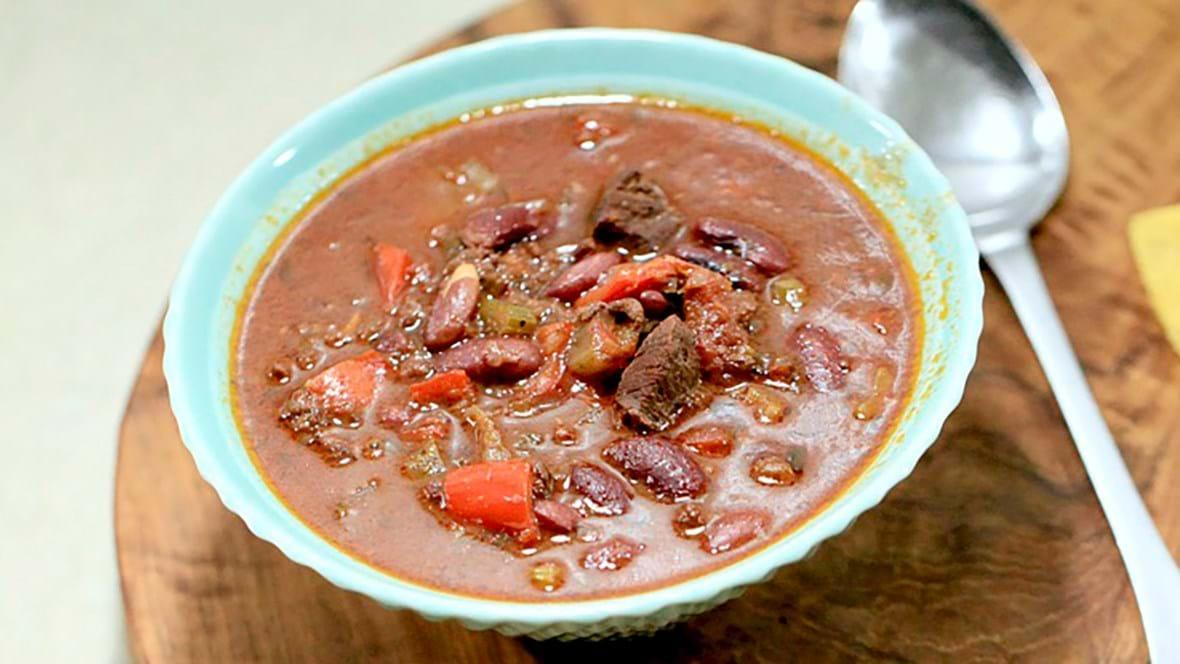 Chili con carne med chokolade og øl (stærk)