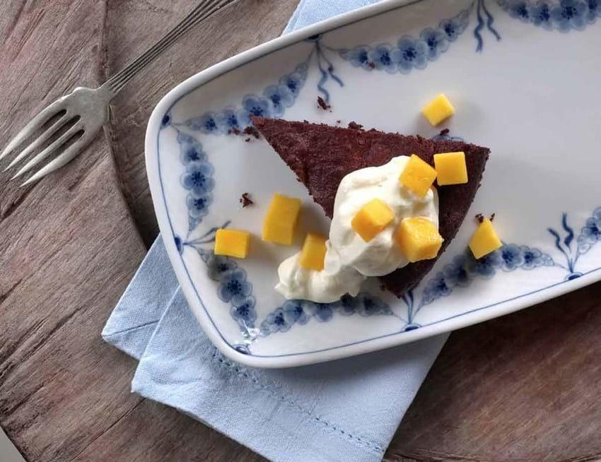 Chokoladekage med abrikoser
