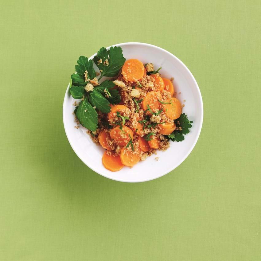 Dampede gulerødder med krydret rasp