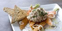 Tunmousse med citrondampede gulerødder