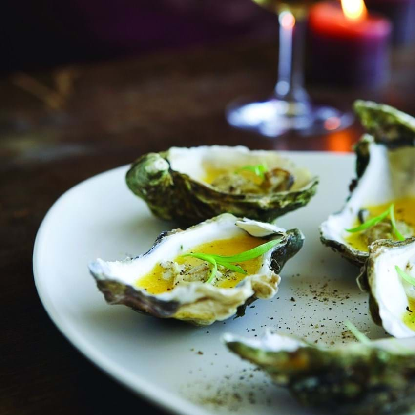 Varme østers i pernodcreme