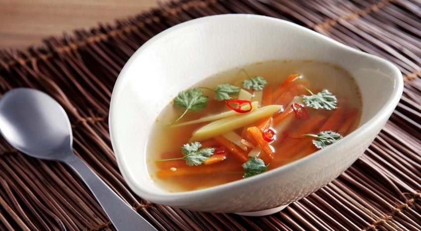 Asiatisk inspireret grøntsagssuppe