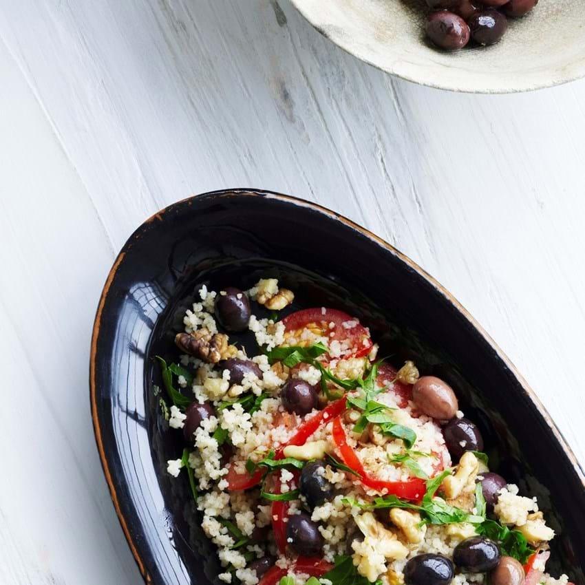 Couscous med tomat, oliven og valnødder