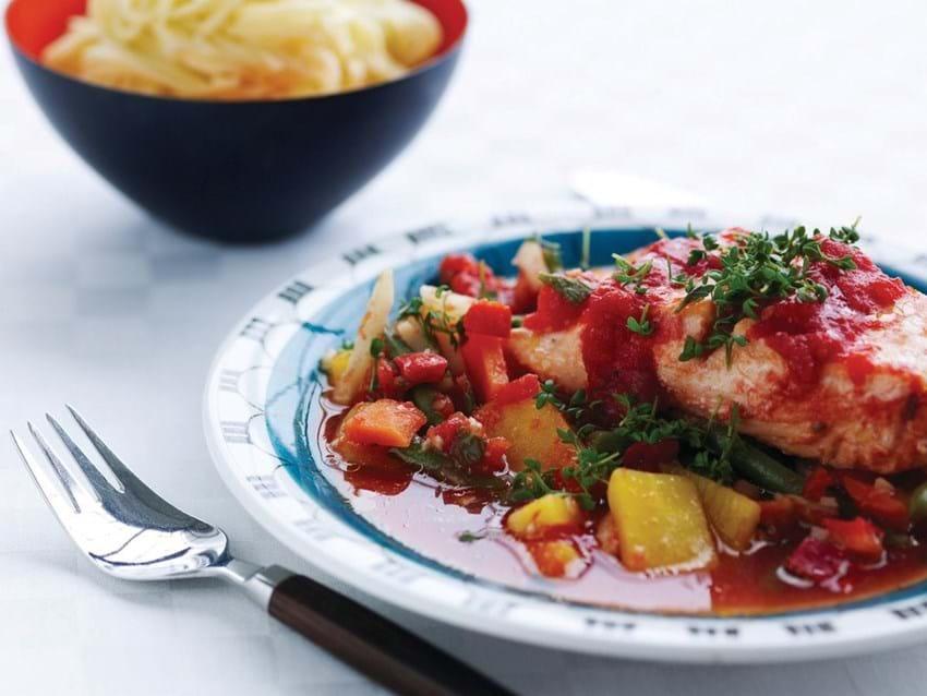 Laks med tomat og rodfrugter