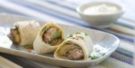 Wrap med stegt oksekød og aubergine