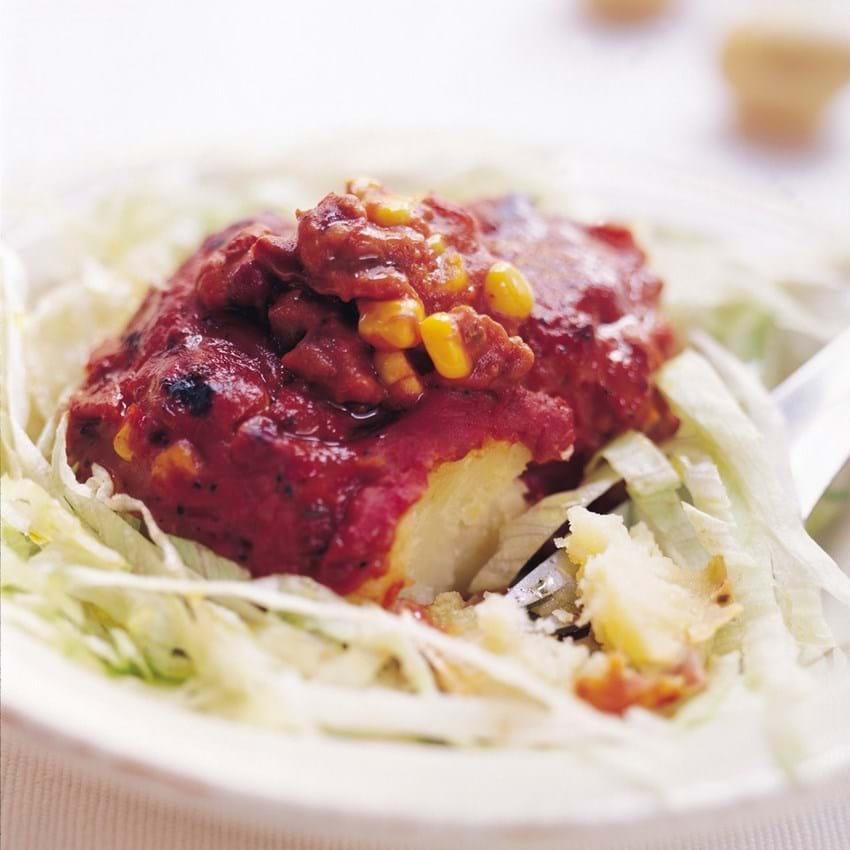 Bagekartoffel med Chili con Carne