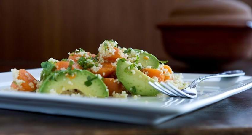 Couscous salat med gulerødder og avocado