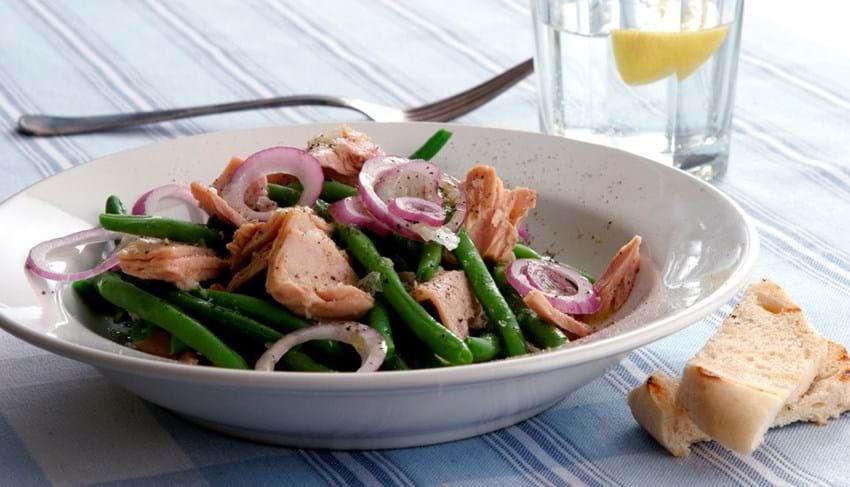 Tun og bønnesalat med wasabidressing