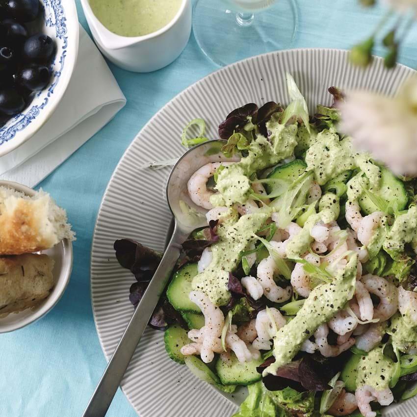 Få Opskriften På Salat Med Rejer Og ærtedressing