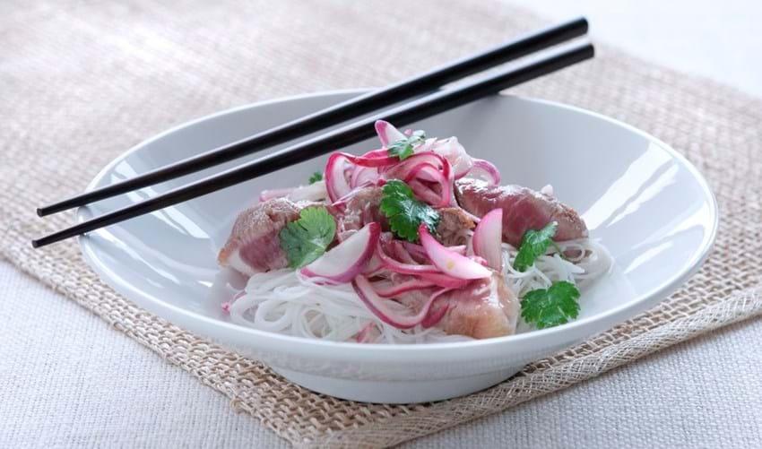Oksekødssalat som i Thailand