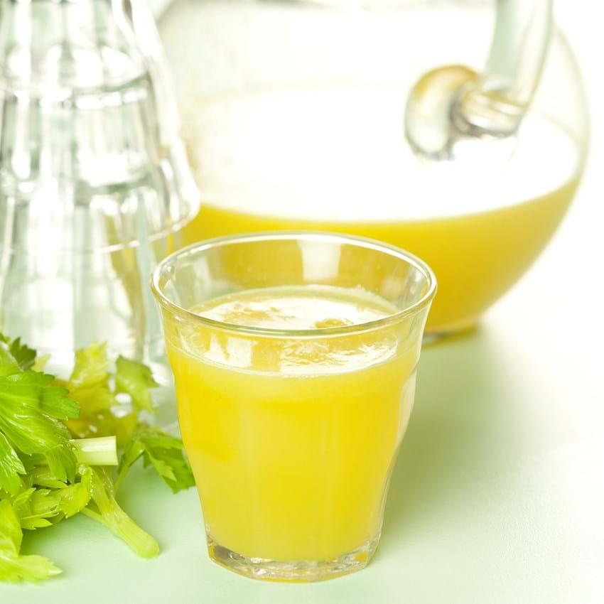 Ananasjuice med bladselleri