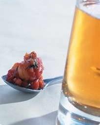 Tomat- og kikærtehummus med cognac og tonic