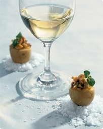 Salte mandler og kartofler og Fino sherry