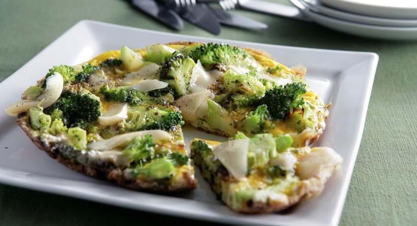 Omelet med broccoli og ost