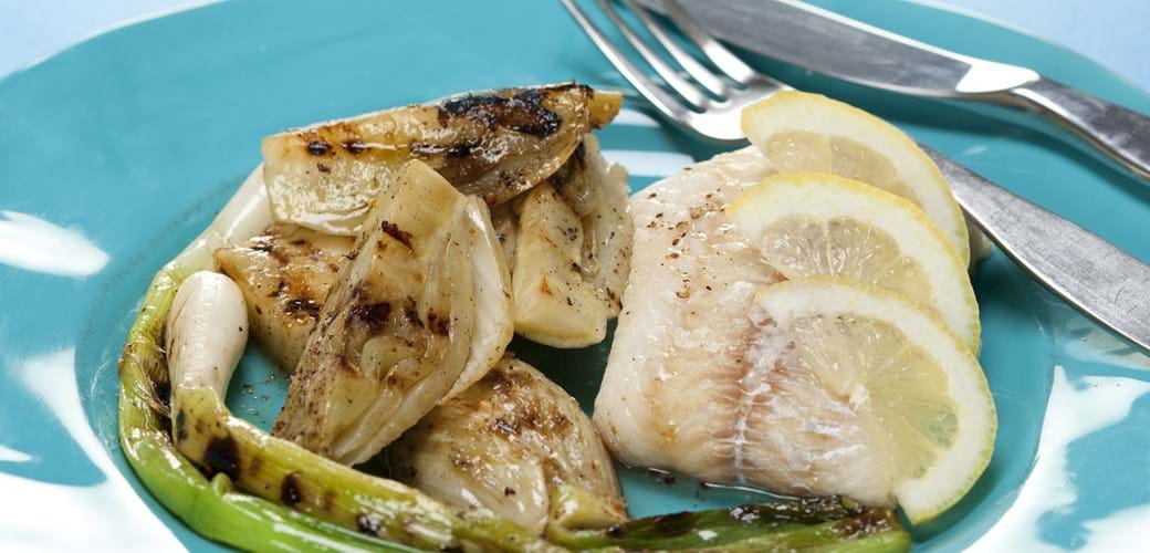 Bagt torsk med grillet fennikel og forårsløg