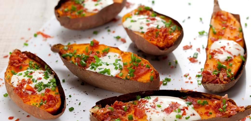 Bagte søde kartofler med skinkecrisp