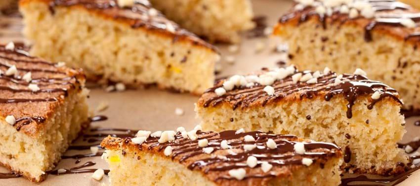 Banankage med appelsin, chokolade og mandler