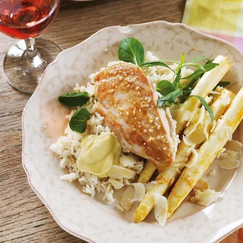 Kylling og smørstegte hvide asparges med parmesan