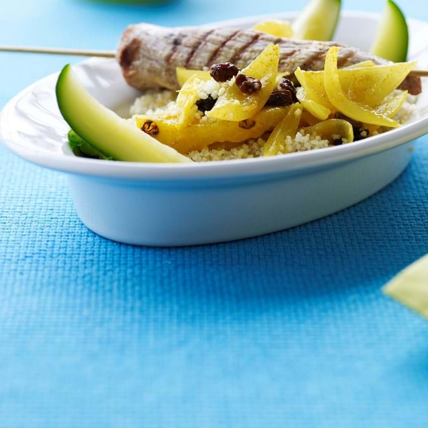 Grillspyd med lun ananaschutney