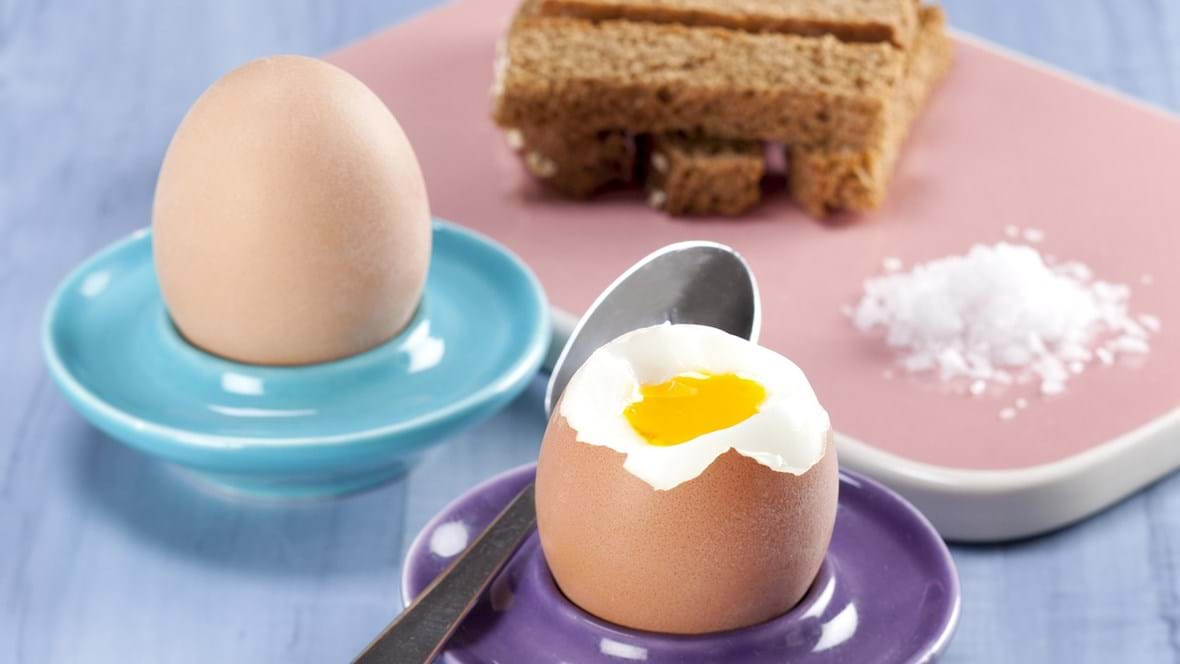 Blødkogte æg med brødstænger