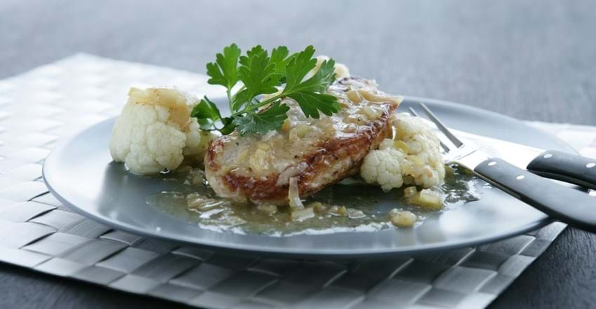 Svinekoteletter med æble/ingefærsauce