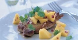 Koteletter med lun mangosalsa