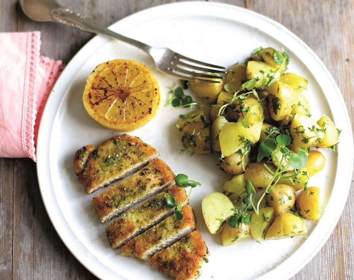 Koteletter med grøn urterasp og citronkartofler
