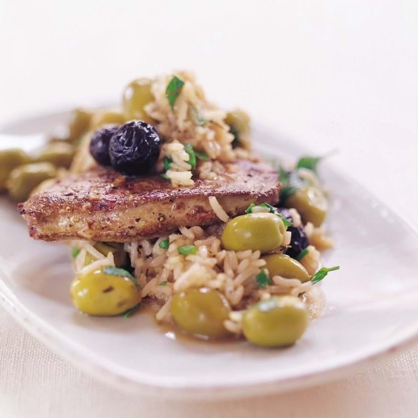 Stegt kalvelever med oliven, ris og citron