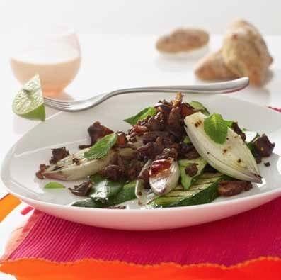 Grillede grøntsager med oksekød og mynte