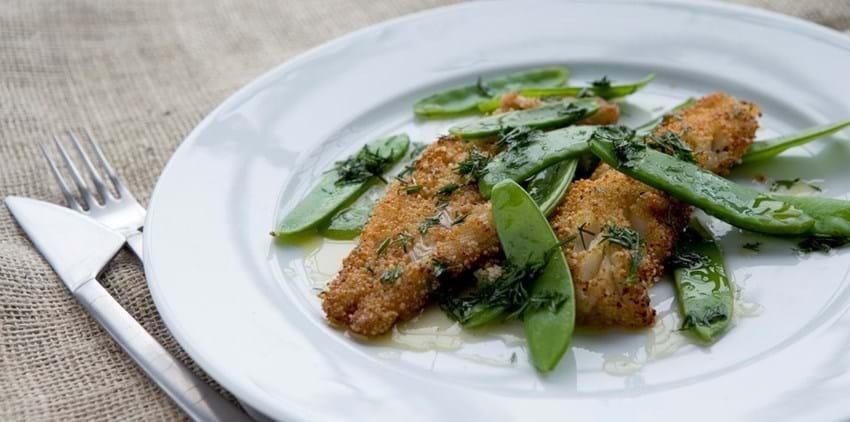 Couscouspaneret fisk med sur-sød dilddryp