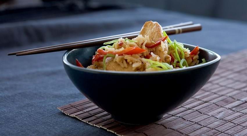 Kylling med stegte ris