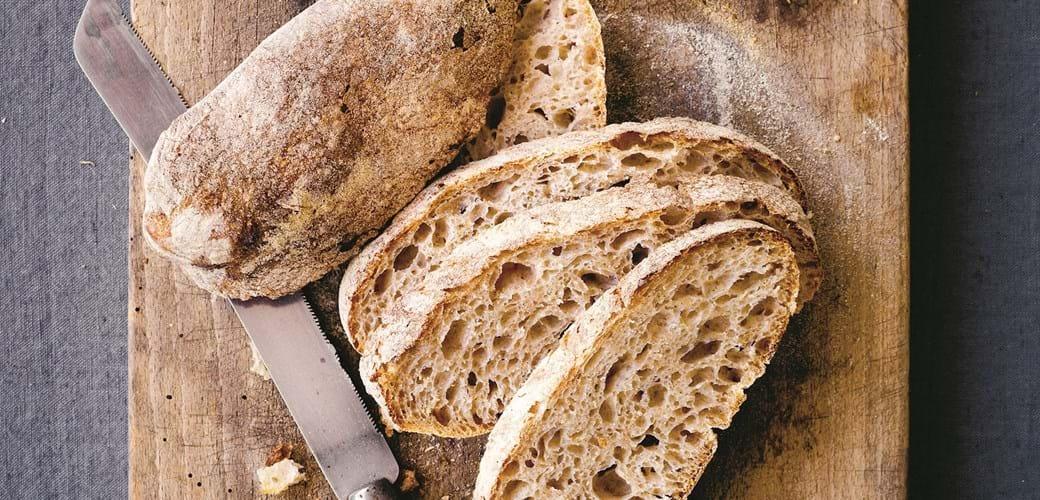 Ølandshvedebrød (2 brød eller 15-20 boller)