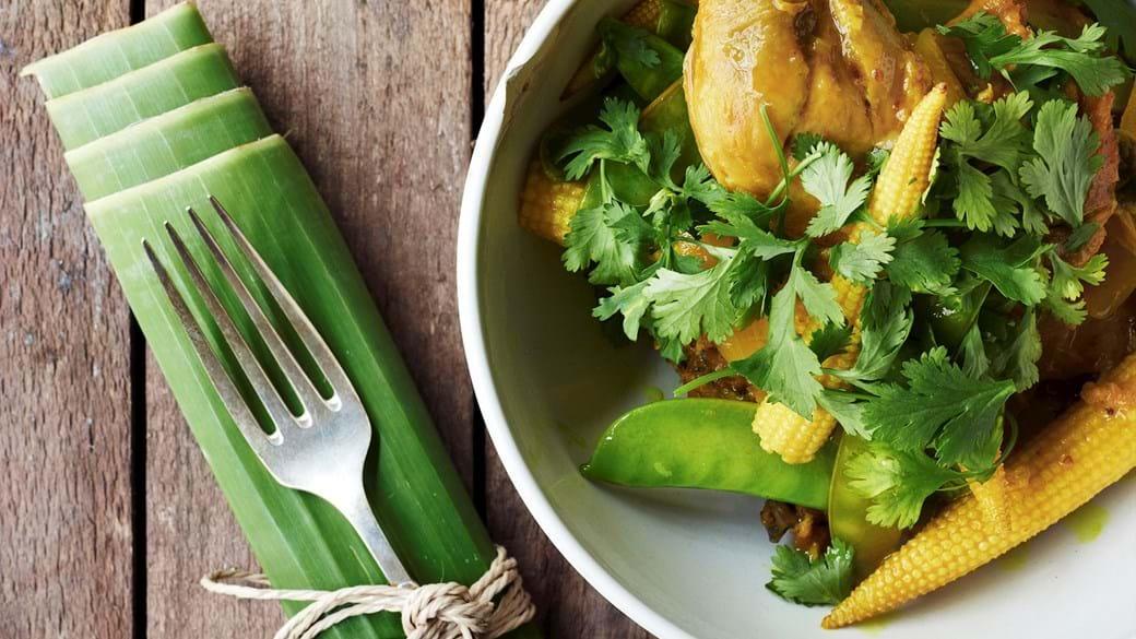 Kylling med gurkemeje og sprøde grøntsager